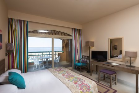 Byoum_Lakeside_Hotel_Lake-Suite