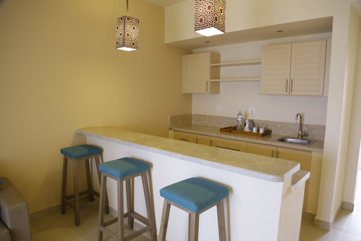 Gevernor Suite Kitchenette At Byoum Lakeside Hotel